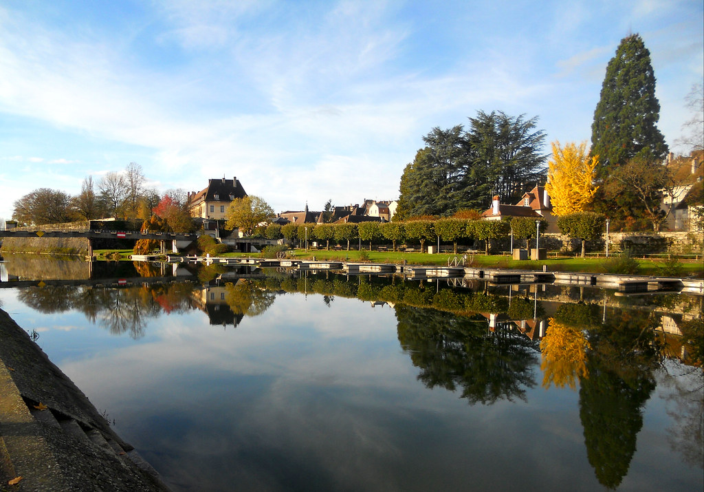 le canal Rhône au Rhin à Dole
