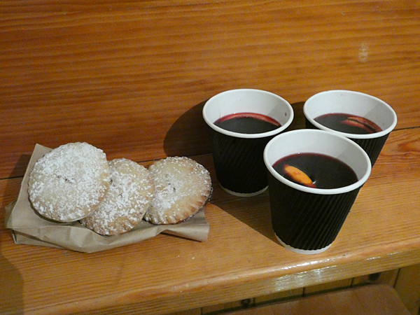 mince pies and mulled wine