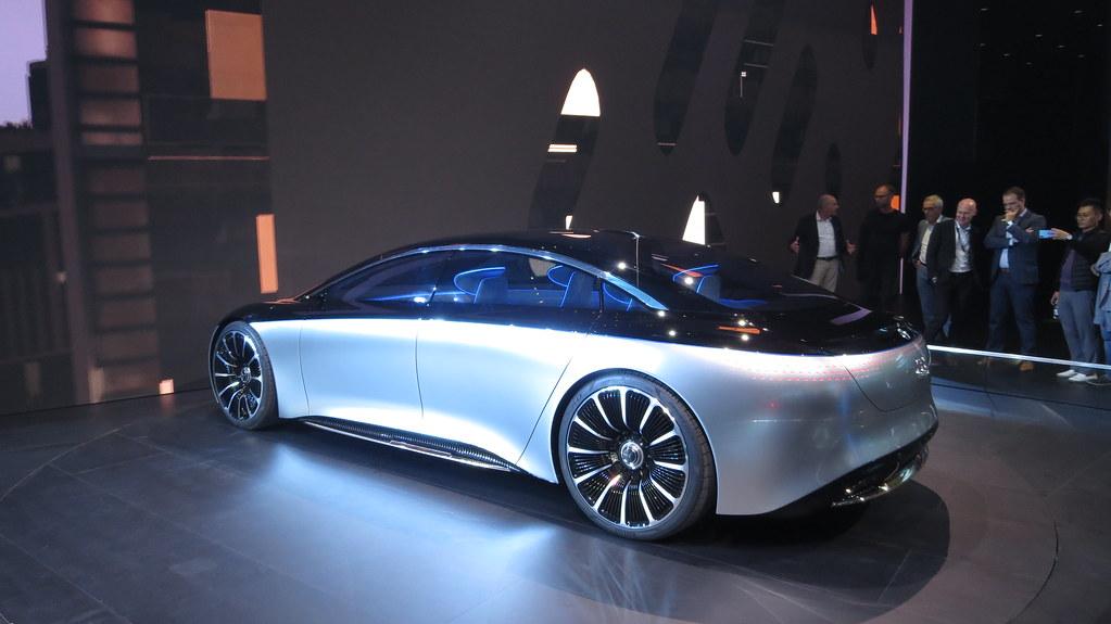 Mercedes-Benz Vision EQS_5 copia