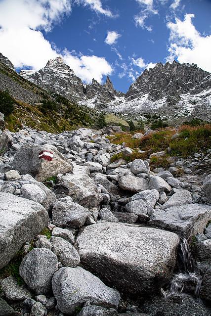 Da qualche parte, fra le montagne