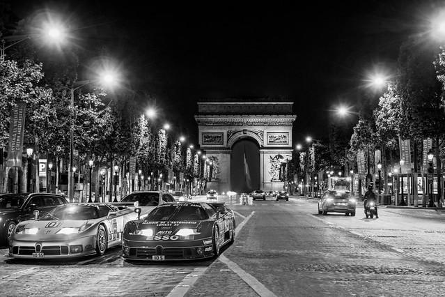 04_EB110_last-racing-cars_paris1-bw_MG