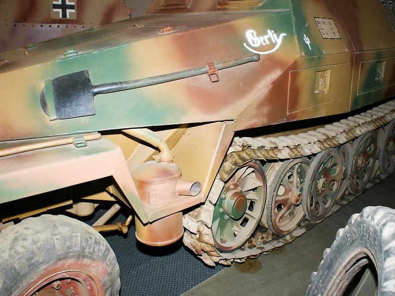 Sd.Kfz.251-6 Ausf D 7