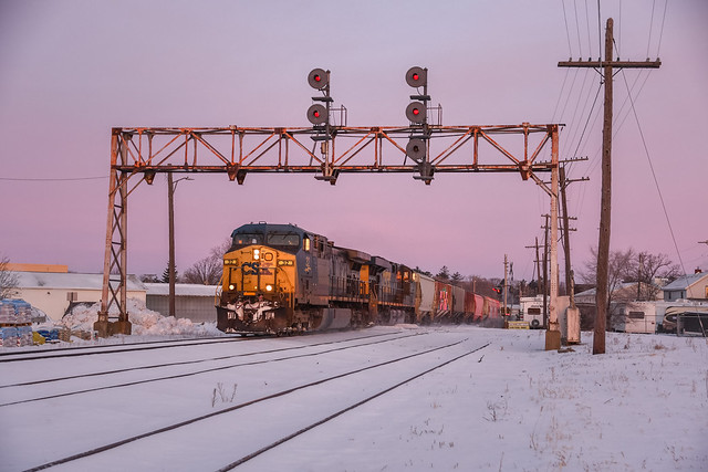 CSX Q328-20 - Howell, Michigan