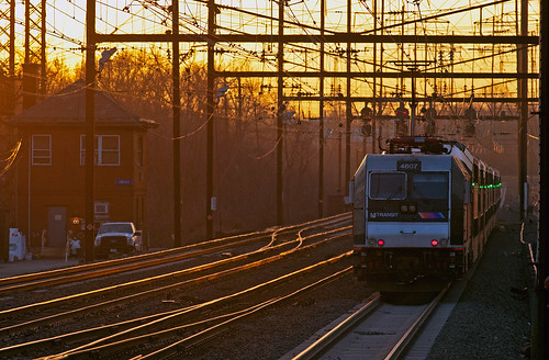njt njtransit bombardier alp46 commuter metuchennj lincolntower nec northeastcorridor train railfan railroad
