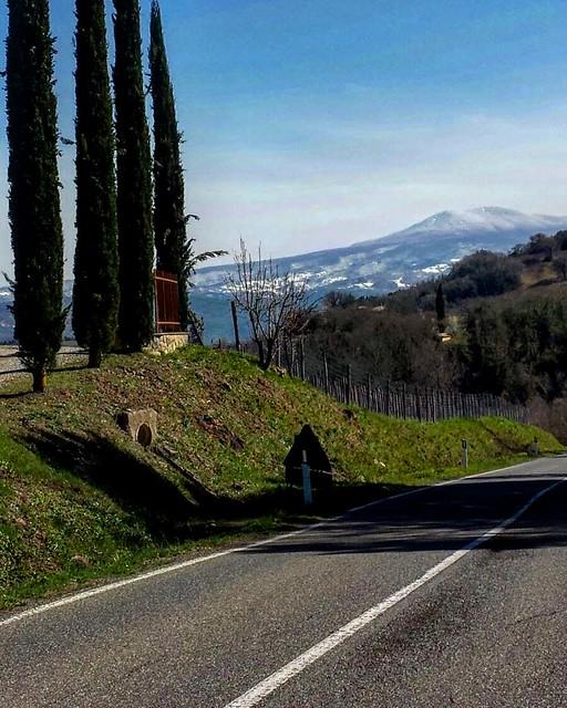 More mornings like this! ❄️ . . . #like #follow #share #comment #subscribe #castelnuovodellabate #montalcino #borghettomontalcino #tuscany #tuscanygram #italy #italy #italia #santantimo #valdorcia #travel #travelblogger #travelphotography #travel