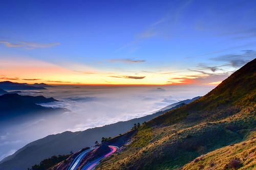 taiwan nantoucounty renaitownship cloud skyspace sunset tarokonationalpark hehuanmountain lighting 台灣 南投縣 仁愛鄉 夕陽 合歡山 太魯閣國家公園 雲海 台14甲線 昆陽休息區