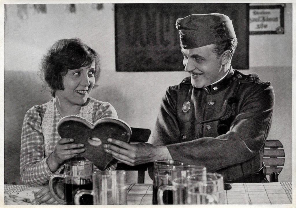 Dita Parlo and Willy Fritsch in Melodie des Herzens (1929)