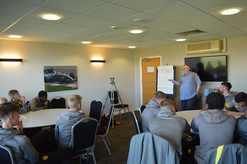 Playing Safely Burton Albion Life Skills (3)