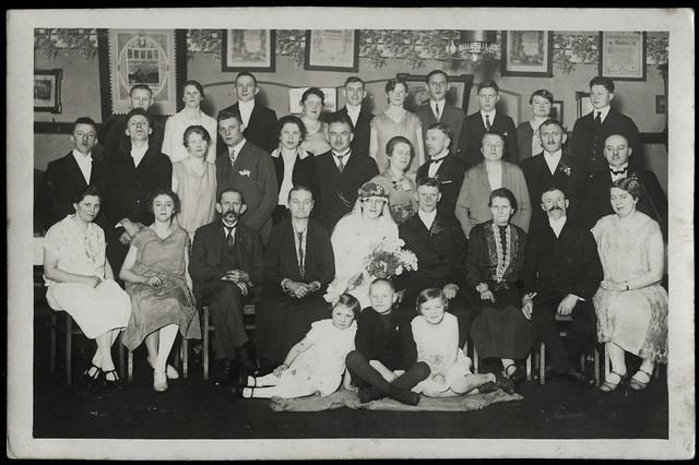 ArchivV43 Hochzeitsgesellschaft, 1920er