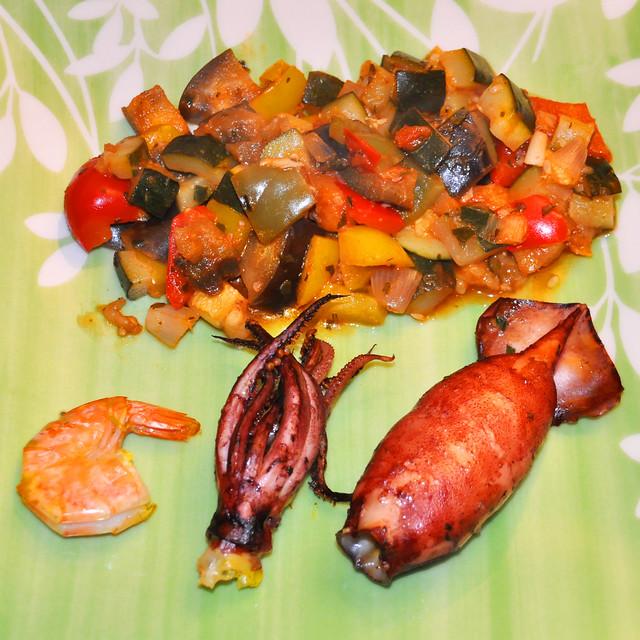 Januar 2020: Ratatouille - klassischer Eintopf aus Fruchtgemüse aus der südfranzösischen Küche ... Gefüllte Tintenfischtuben ... Brigitte Stolle