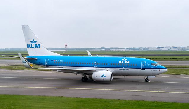 KLM: Boeing 737 # PH-BGK
