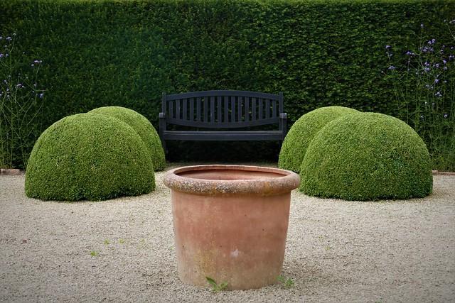Seat, Topiary, Urn