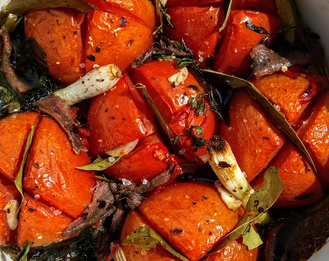 Roast Tomato with Garlic, Spring Onion and Bay Leaves