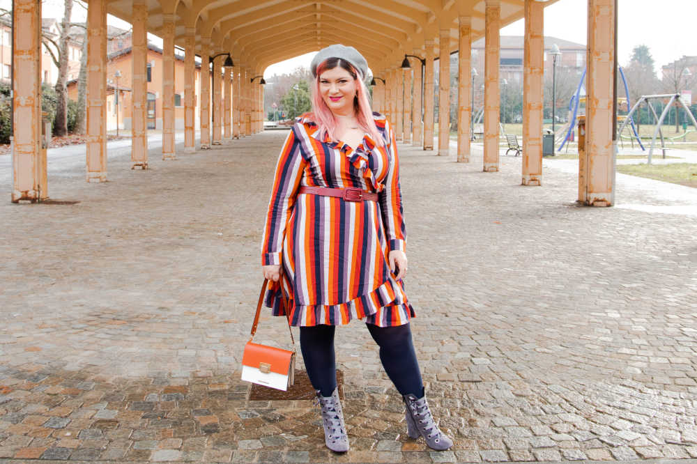 Outfit curvy Bright and beautiful come indossare i collant colorati (10)
