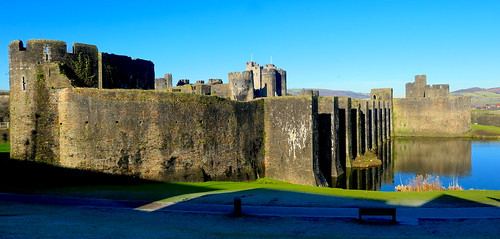 wales southwales castle caerphillycastle castellcaerffili fortification