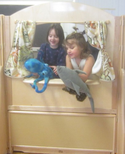 octopus & shark puppet show