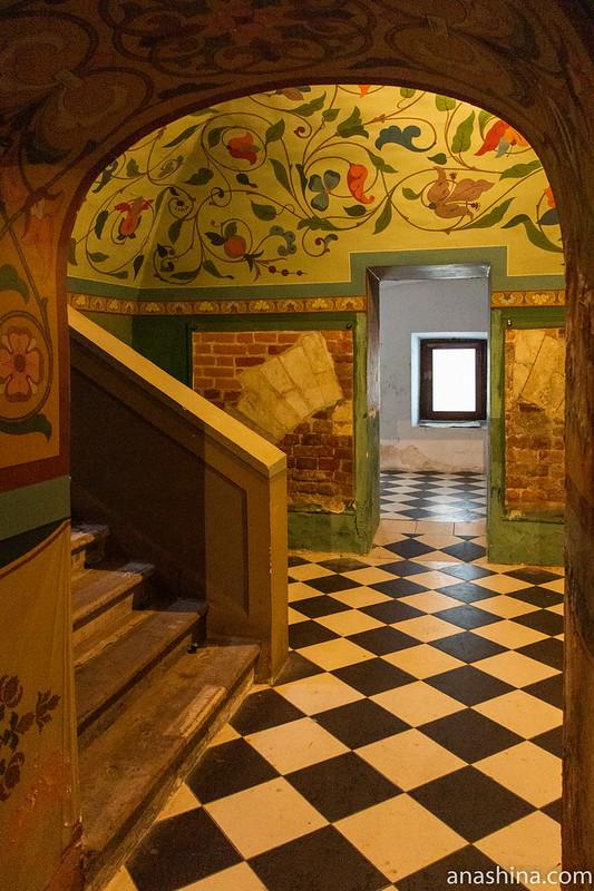 Подклет в палатах Волковых-Юсуповых в Москве