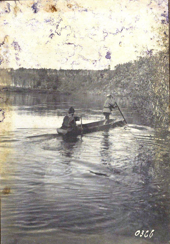 366. Переправа на лодке через речку Амазар