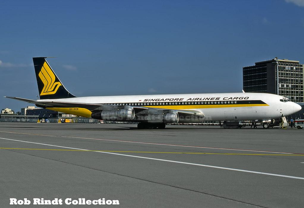 Singapore Airlines Cargo B707-324C 9V-BEW