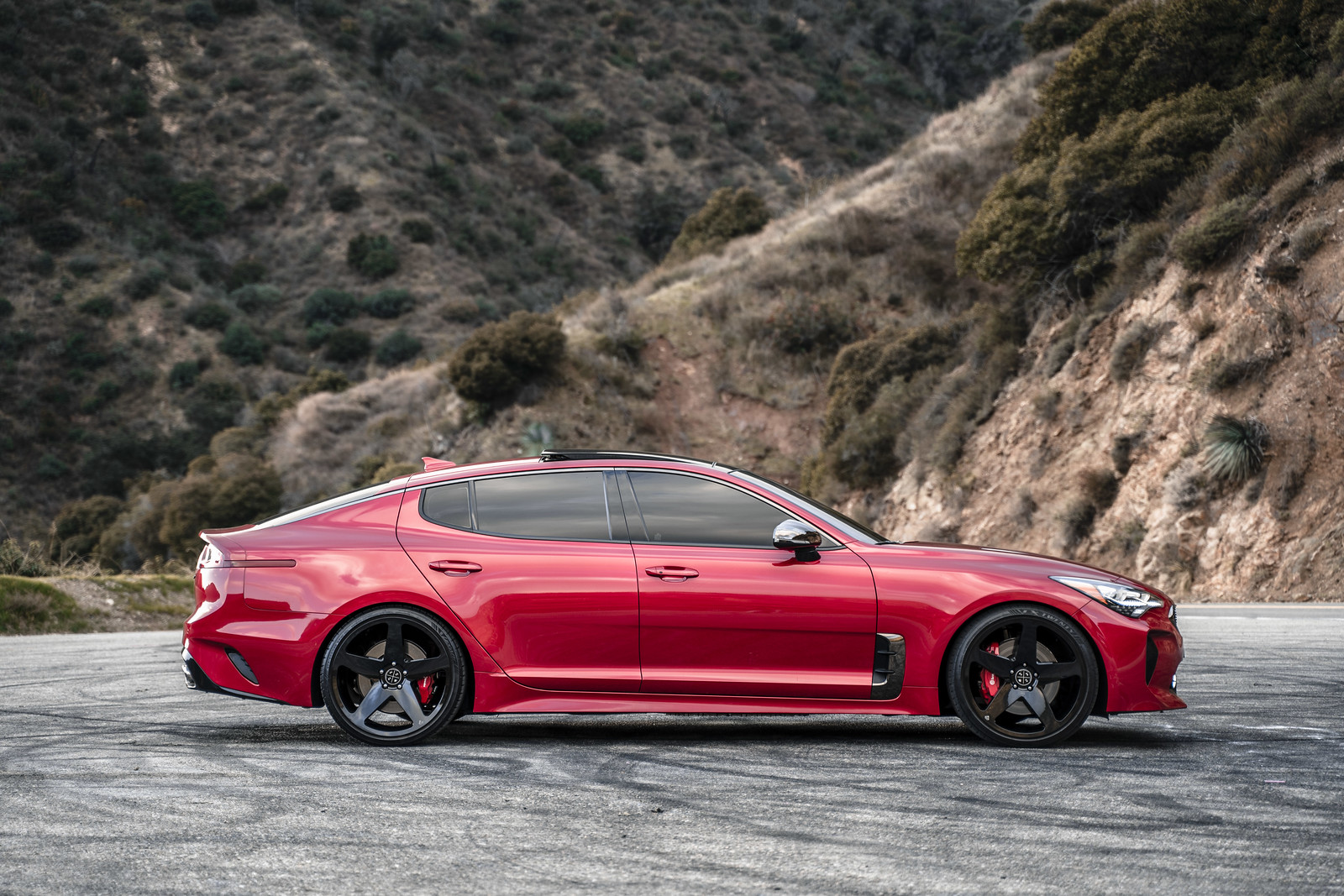 2018_Kia_Stinger_with_Gloss_Black_BD15_26