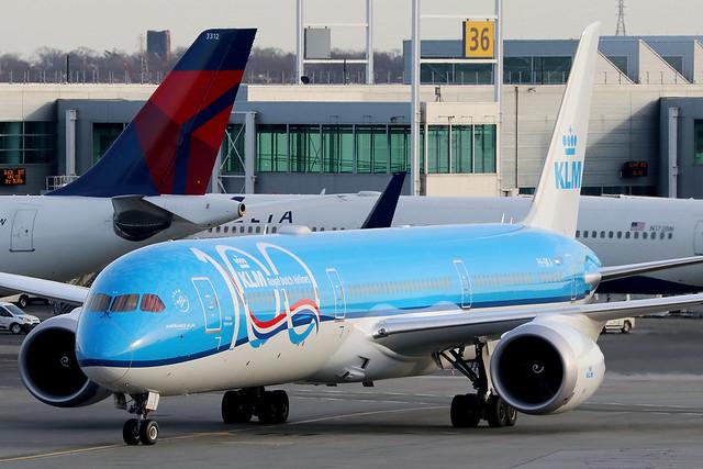 PH-BKA   Boeing 787-10 Dreamliner   KLM