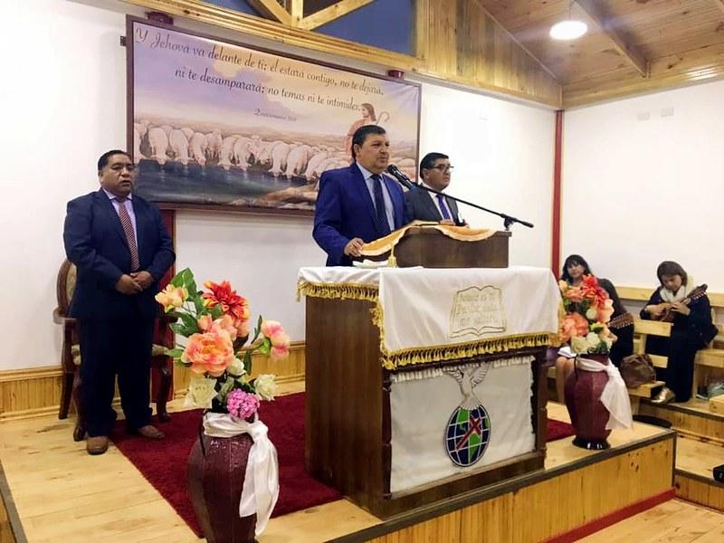 Presentación primeros encargados Templo Anexo Putú, Iglesia de Constitución