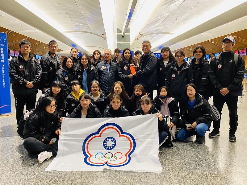 U18女子冰球代表隊。(圖/冰球協會提供)