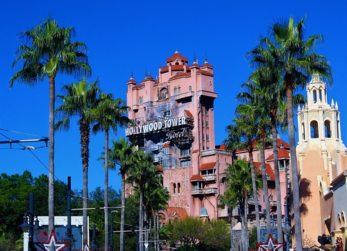 hollywoodstudios orlando florida unitedstates usa hollywoodtowerhotel sunsetboulevard palmtrees bluesky