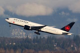 Air Canada C-FNNH