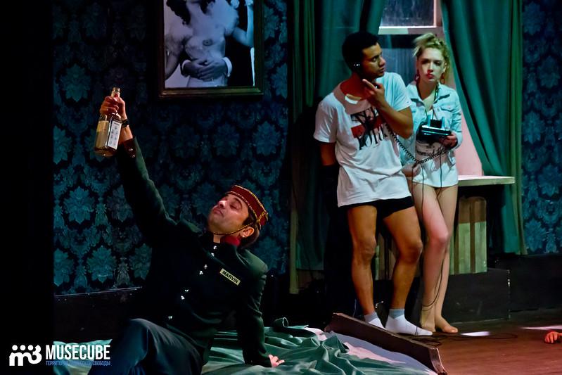 Bezrukij_iz_Spokjena_Teatr_Modern_055