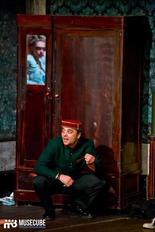 Bezrukij_iz_Spokjena_Teatr_Modern_038