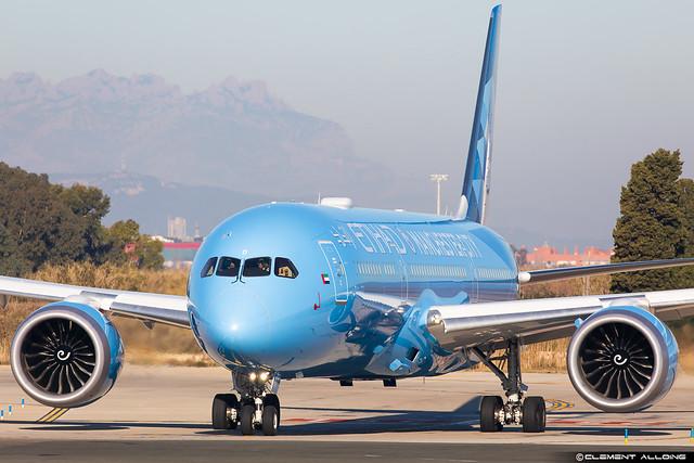 Etihad Airways Boeing 787-9 Dreamliner cn 42373 / 910 A6-BND