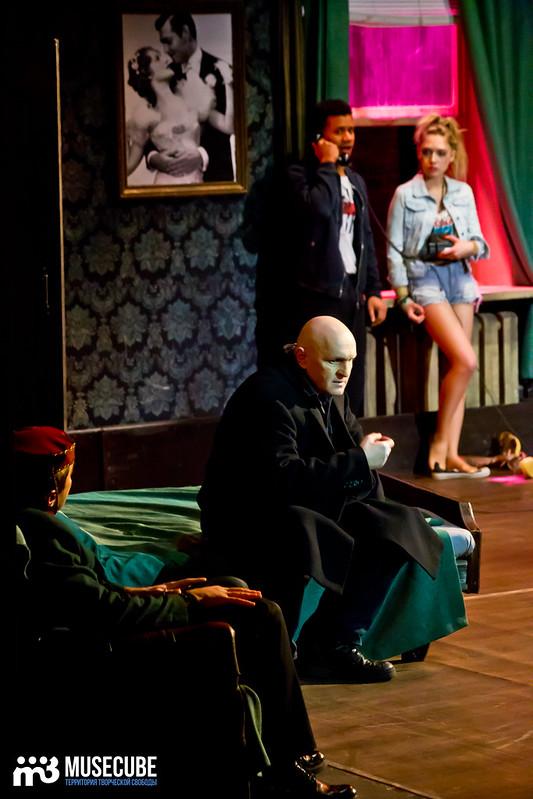 Bezrukij_iz_Spokjena_Teatr_Modern_076