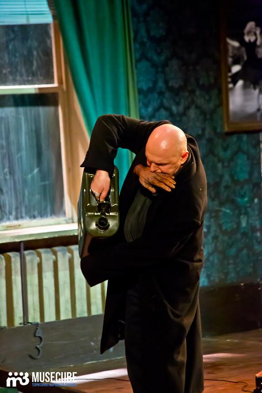 Bezrukij_iz_Spokjena_Teatr_Modern_088