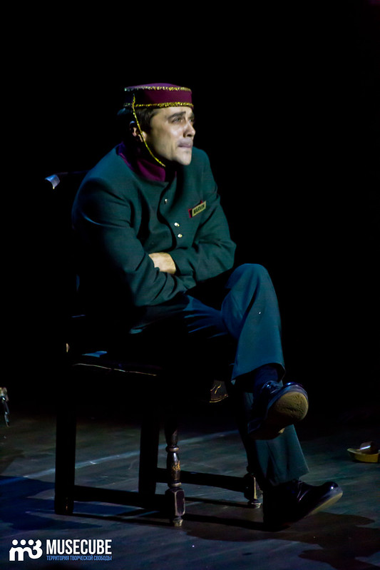 Bezrukij_iz_Spokjena_Teatr_Modern_066