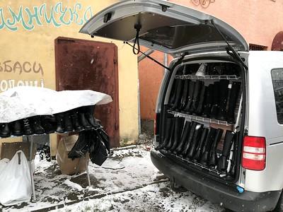 Cipőbolttá alakított autó