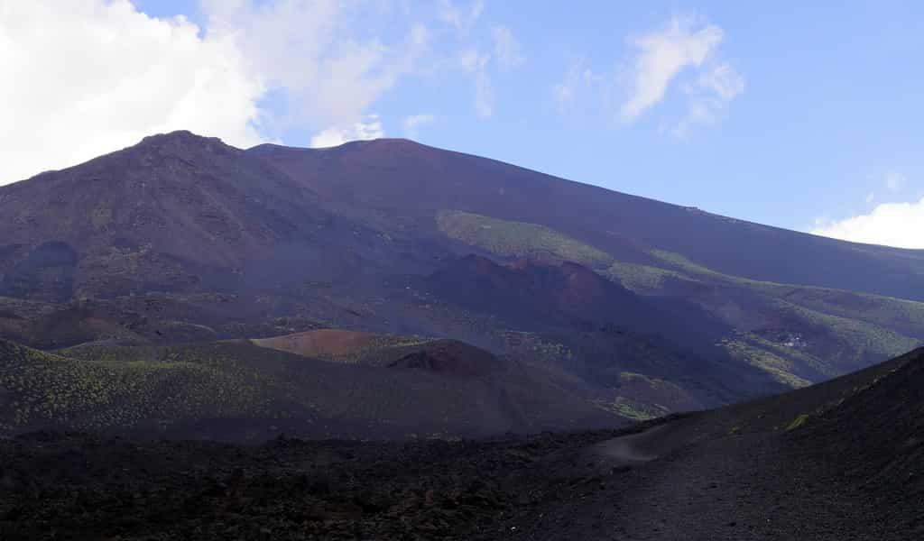 volcan-empreintes-de-pieds-Néandertaliens