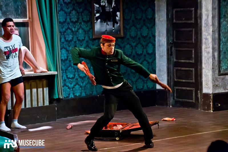 Bezrukij_iz_Spokjena_Teatr_Modern_051