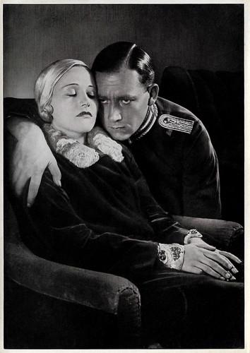 Lien Deyers and Mathias Wieman in Rosenmontag (1930)