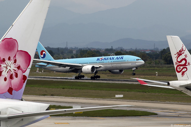Korean Air Boeing 777-200, HL-7598; Nội Bài International Airport, Hanoi, Vietnam