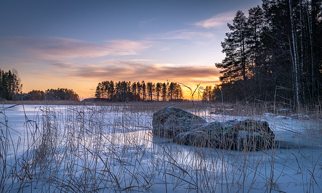 At last the Finnish lakes are getting ice covered.