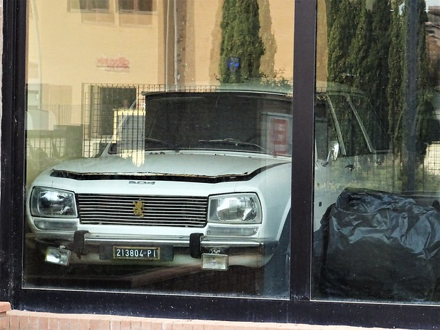 1974 Peugeot 504 GLD Break Ambulance