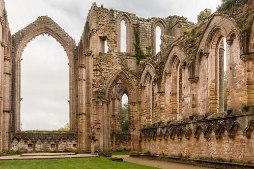 fountainsabbey ripon ruins abbeychurch abbey church choir altar window arch sky building architecture nationaltrust unesco worldheritage yorkshire england monument