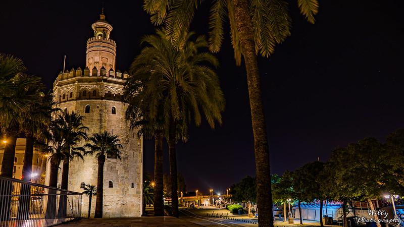 Torre del oro en Urbana y Arquitectura49425715542_37fa95c774_c