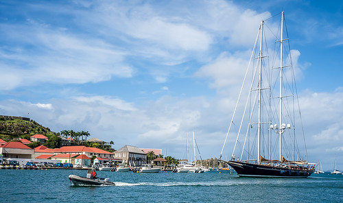 Tall ship enters Gustavia harbour
