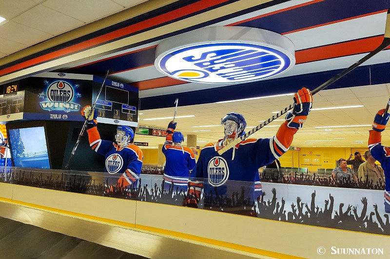 Edmontonin lentokenttä, kanadalainen stereotypia