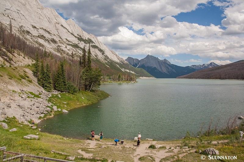 Medicine Lake, ranta