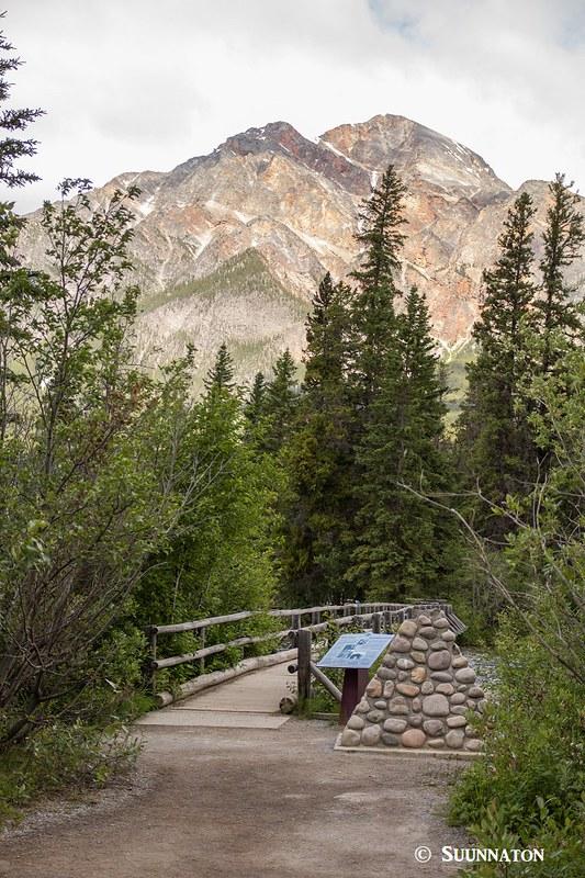 Pyramid Lake ja Mountain, silta, Jasper