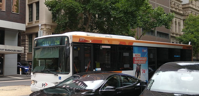 216 bus in Lonsdale Street