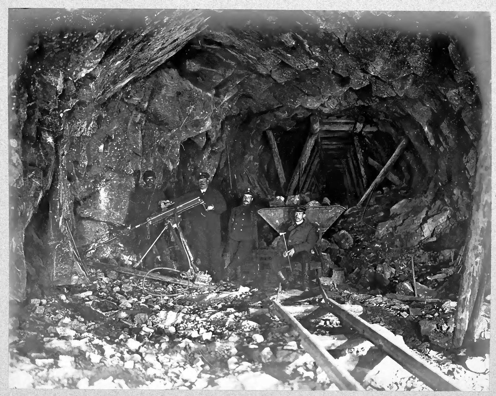 26. Машинное бурение в тоннеле
